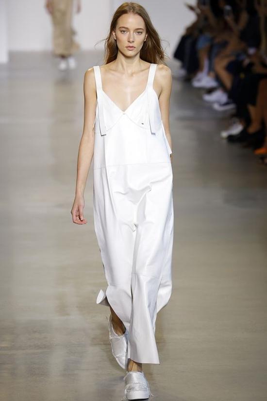 белоснежный комбинезон свободного кроя Calvin Klein Collection