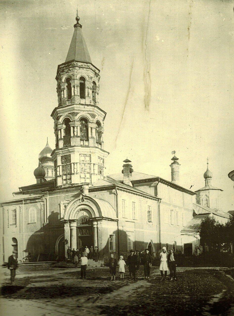1925. Введенская и Входоиерусалимская церкви