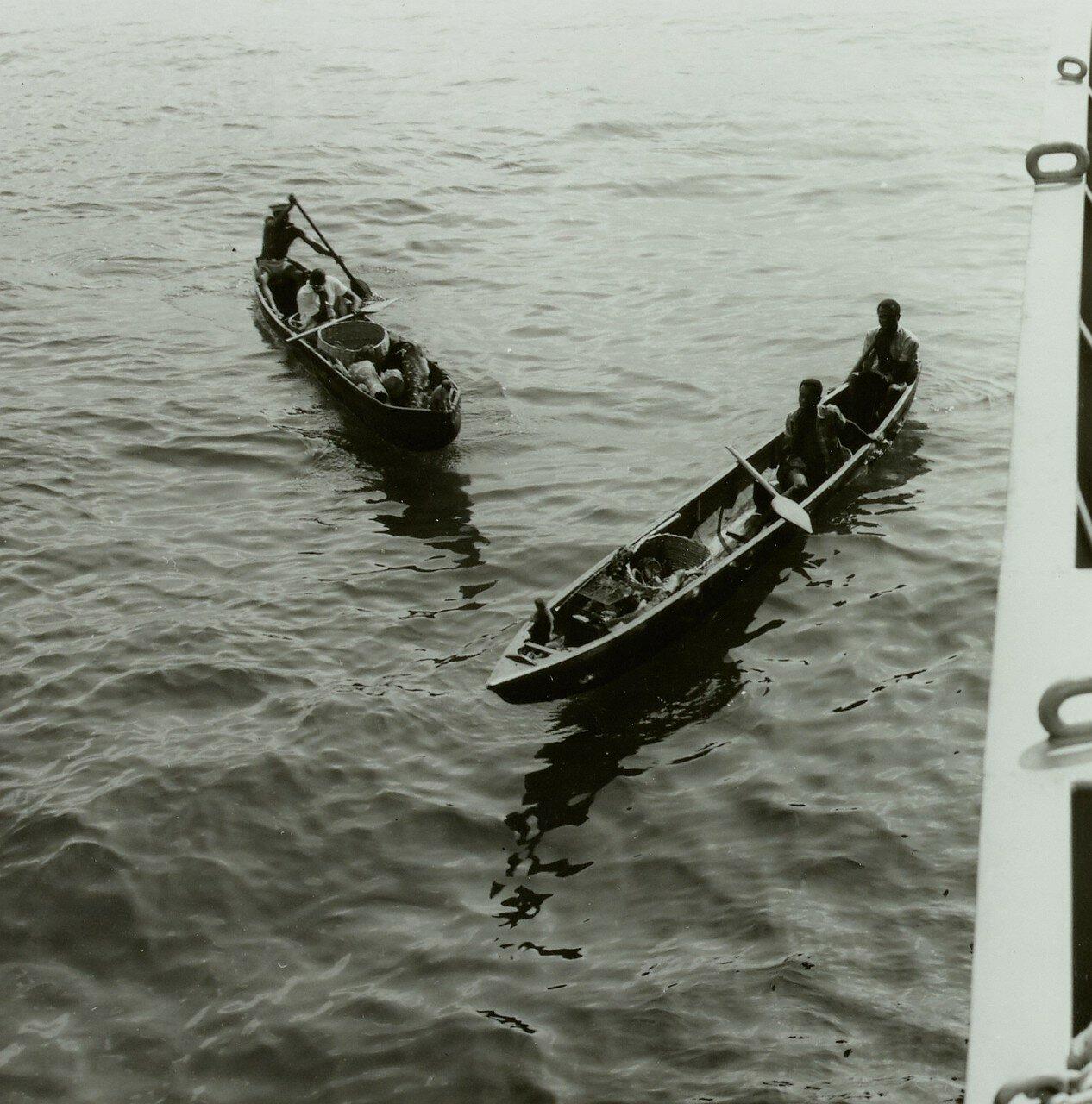 Фритаун. Торговцы на лодках