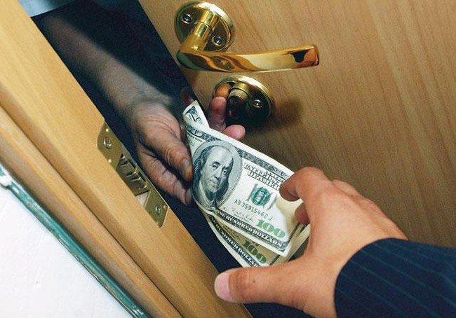 В Бобруйске двое мужчин обвиняются в вымогательстве, грабеже и использовании рабского труда