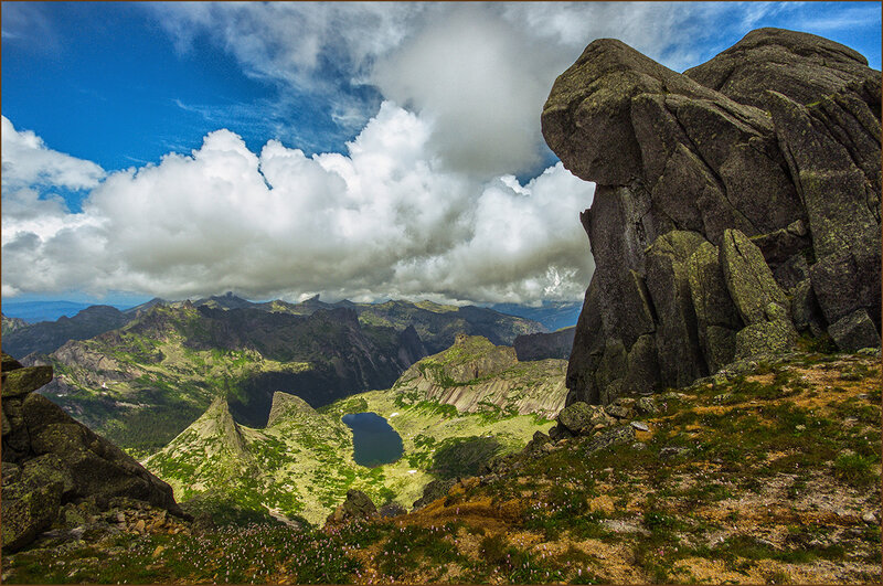 У скалы Монах