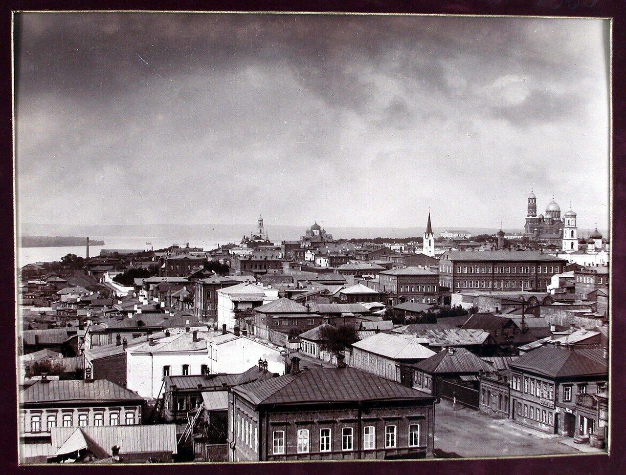 02. Вид части города с высоты кафедрального собора