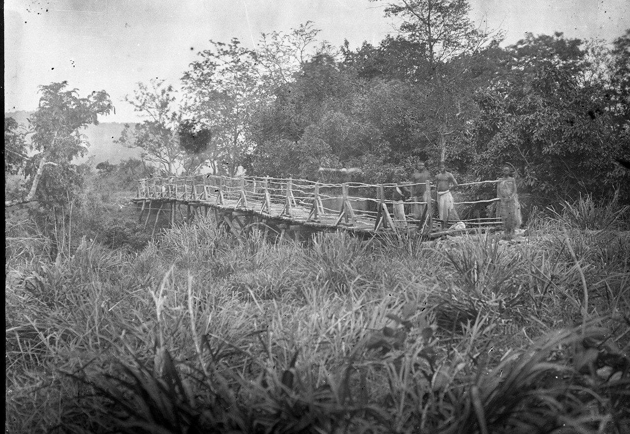 Савалу.  Мост через Азокан