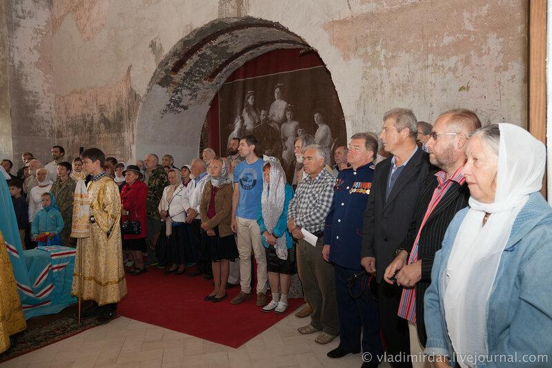 Божественная литургия в родовом Храме Александра Суворова в селе Кистыш
