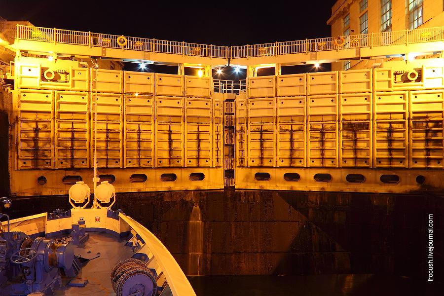 Шлюз №24 Жигулевского гидроузла. Нижние шлюзы. Ворота верхнего бьефа.