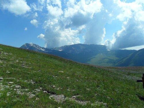 Облако в горах.