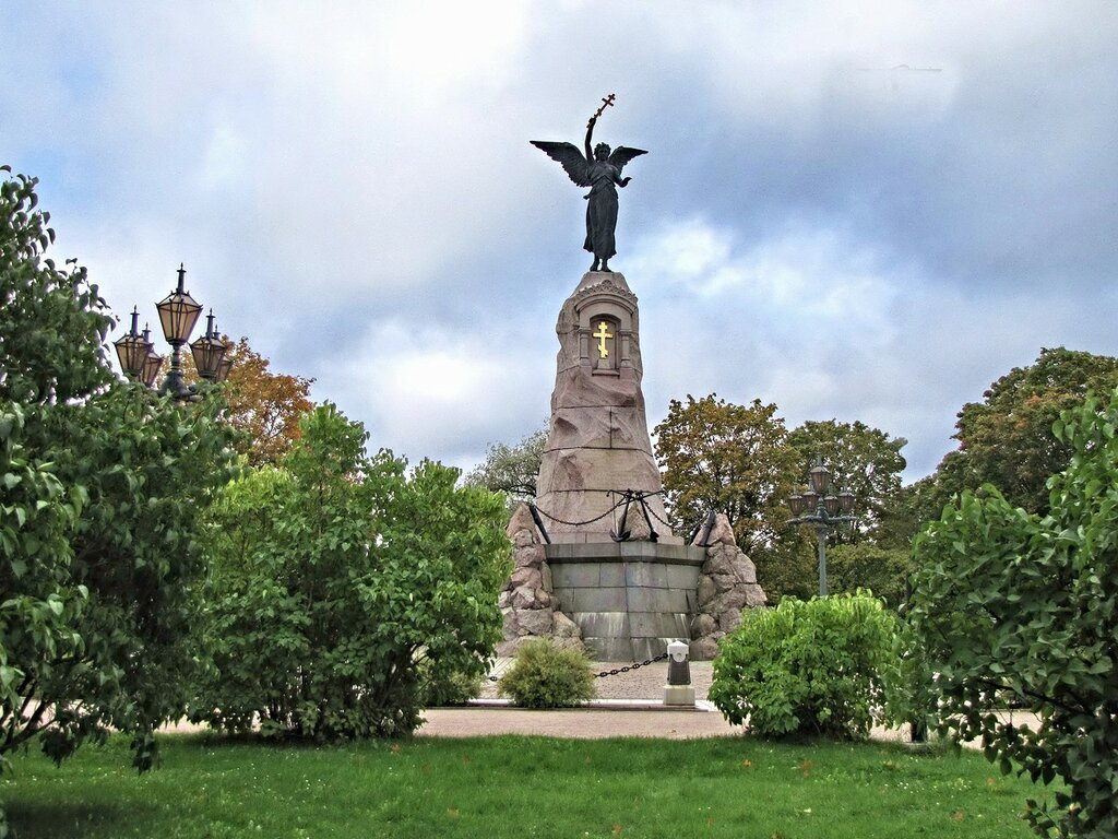 """Памятник русскому броненосцу """"Русалка"""""""
