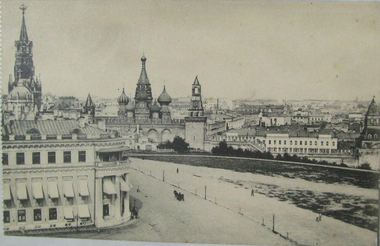 Кремль. Дворцовая площадь