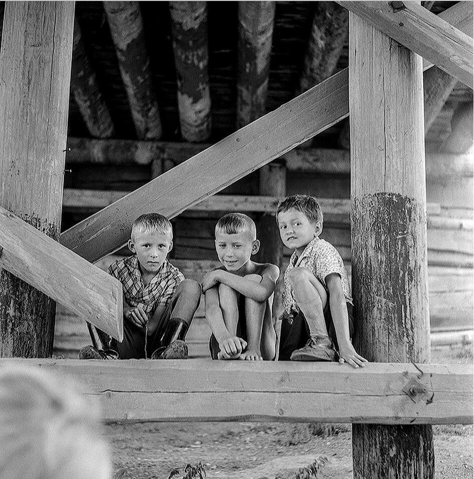 Любимое место солигаличских мальчишек - под мостом через Кострому