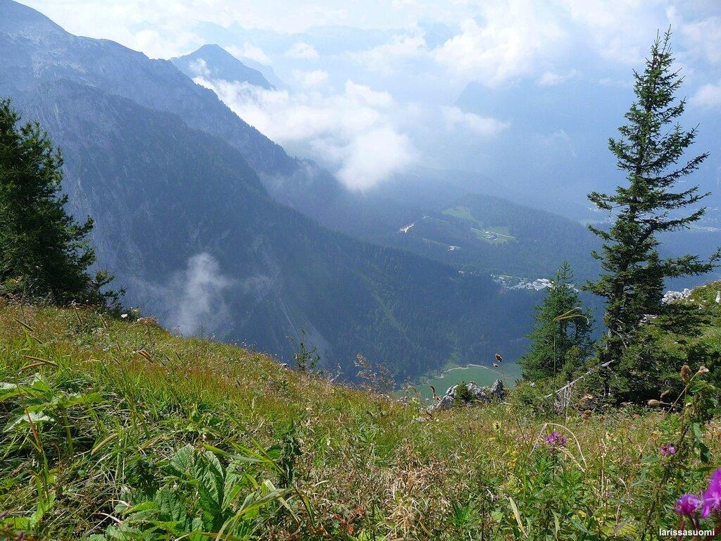 На высоте более 1.800 метров - виды с горы Кельштайн.