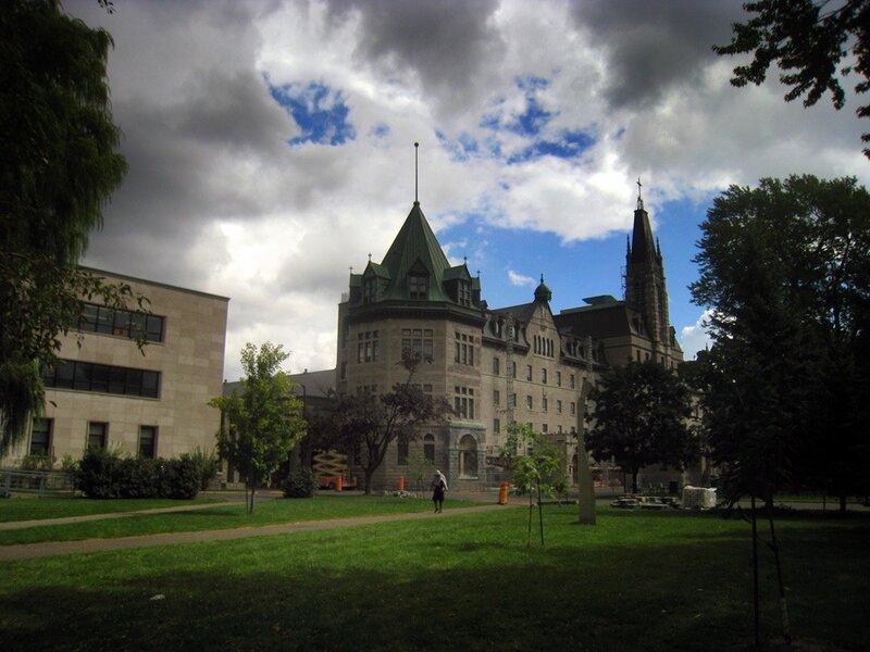 Колледж Сен-Лоран, Монреаль