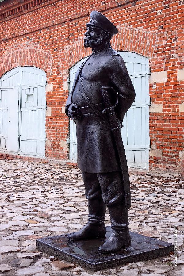 Памятник городовому.