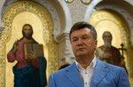 Президент Украины Виктор Янукович на богослужении в восстановленном Владимирском соборе в Херсонесе.