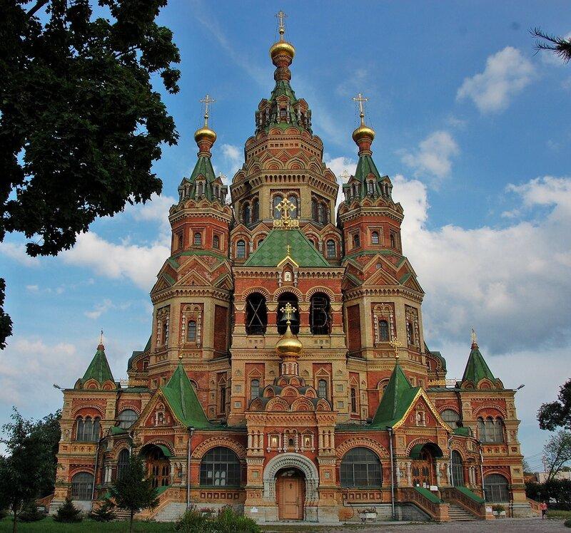 Собор Петра и Павла в Петродворце