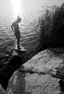 Купальщица (купание, монохром)