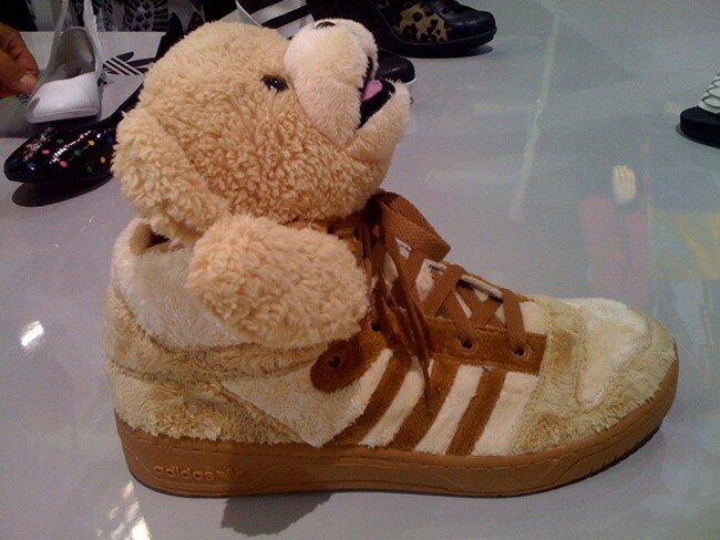 Jeremy Scott aAdidas – Teddy Bear