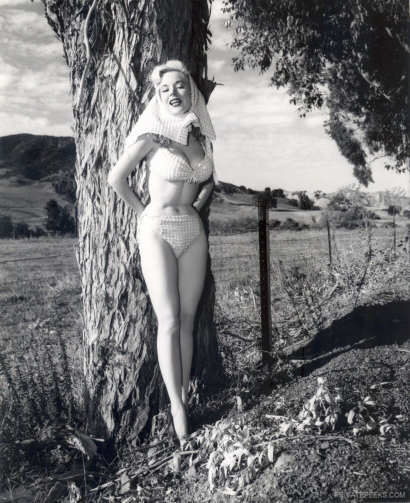 Betty Brosmer one of the hottest 1950's pinup models