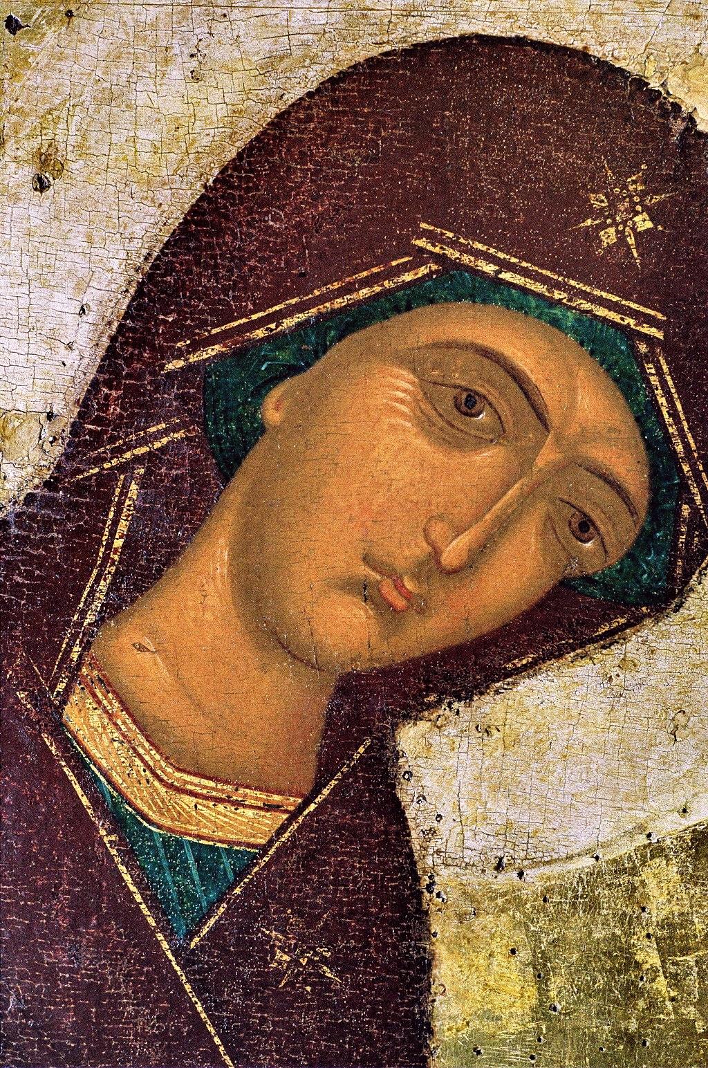 Пресвятая Богородица. Русская икона. Фрагмент.