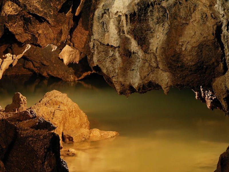 Красные пещеры, Долгоруковская яйла