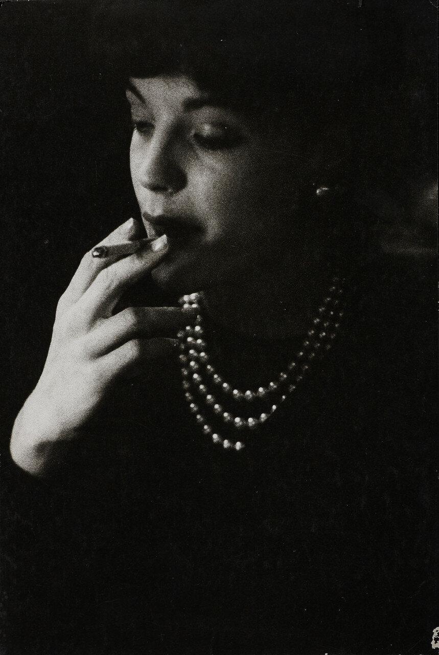 1955. Курящая Роми Шнайдер