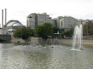Фонтаны в Москва-реке