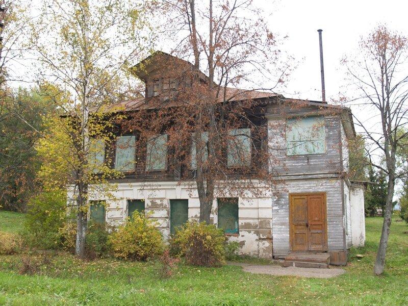 Грешнево. Дом для крепостных музыкантов в бывшей усадьбе Некрасовых.