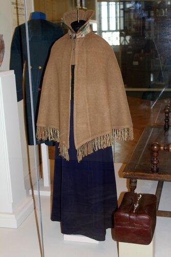 Костюм курсистки (накидка, платье)