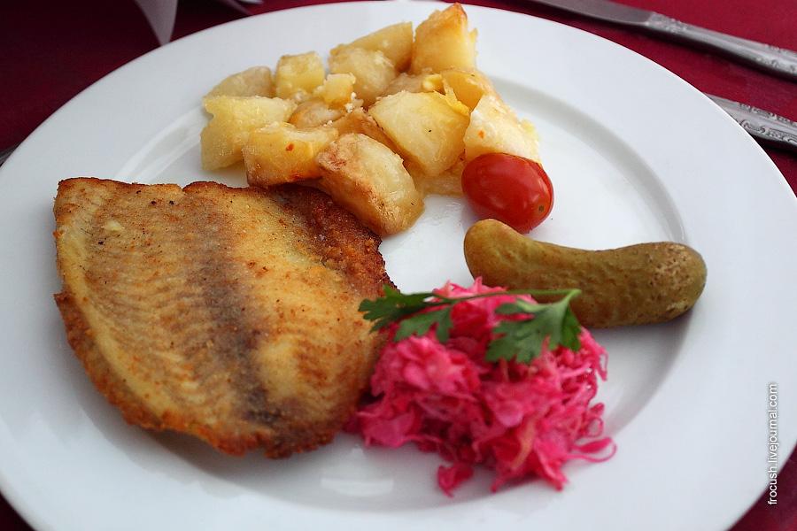 Рыба жареная с картошкой