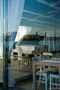 Музыка Петербурга (кафе, отражение, Петербург, стул, фортепиано)