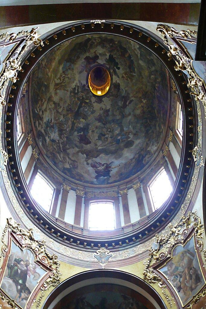 церковь св.франциска в Праге