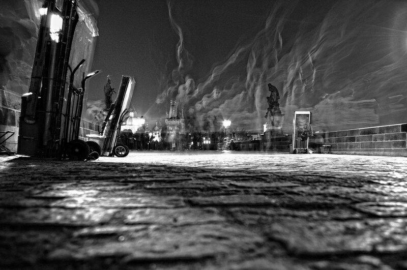 призраки  в Праге(Карлов мост)