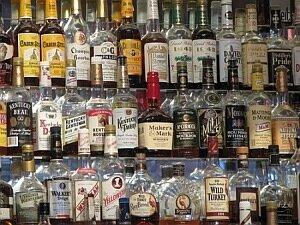 Во Владивостоке продолжают изымать из оборота нелегальный алкоголь