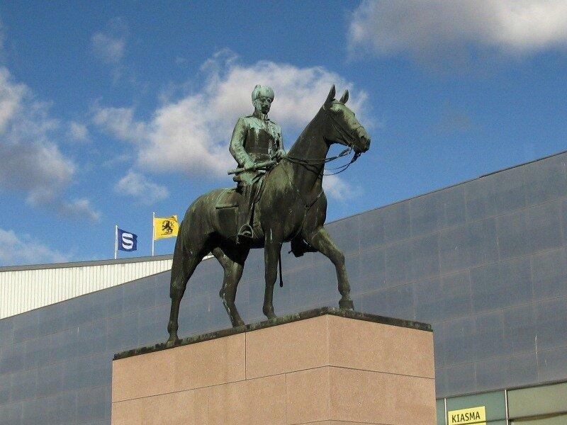 Helsinki. Monument to Mannerheim