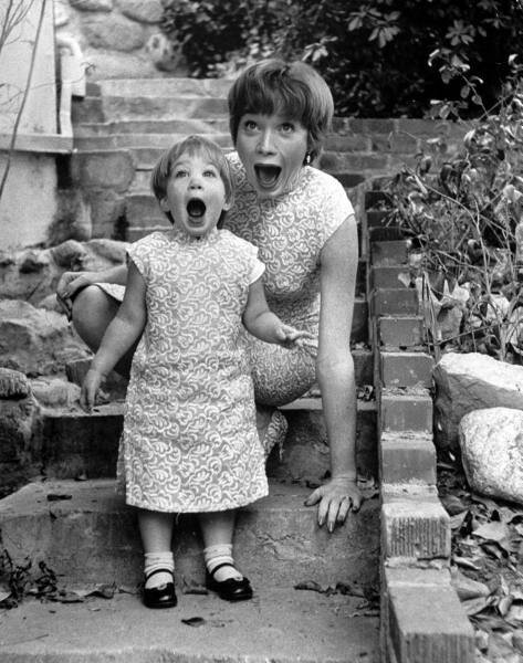 Shirley MacLaine and her daughter Sachi
