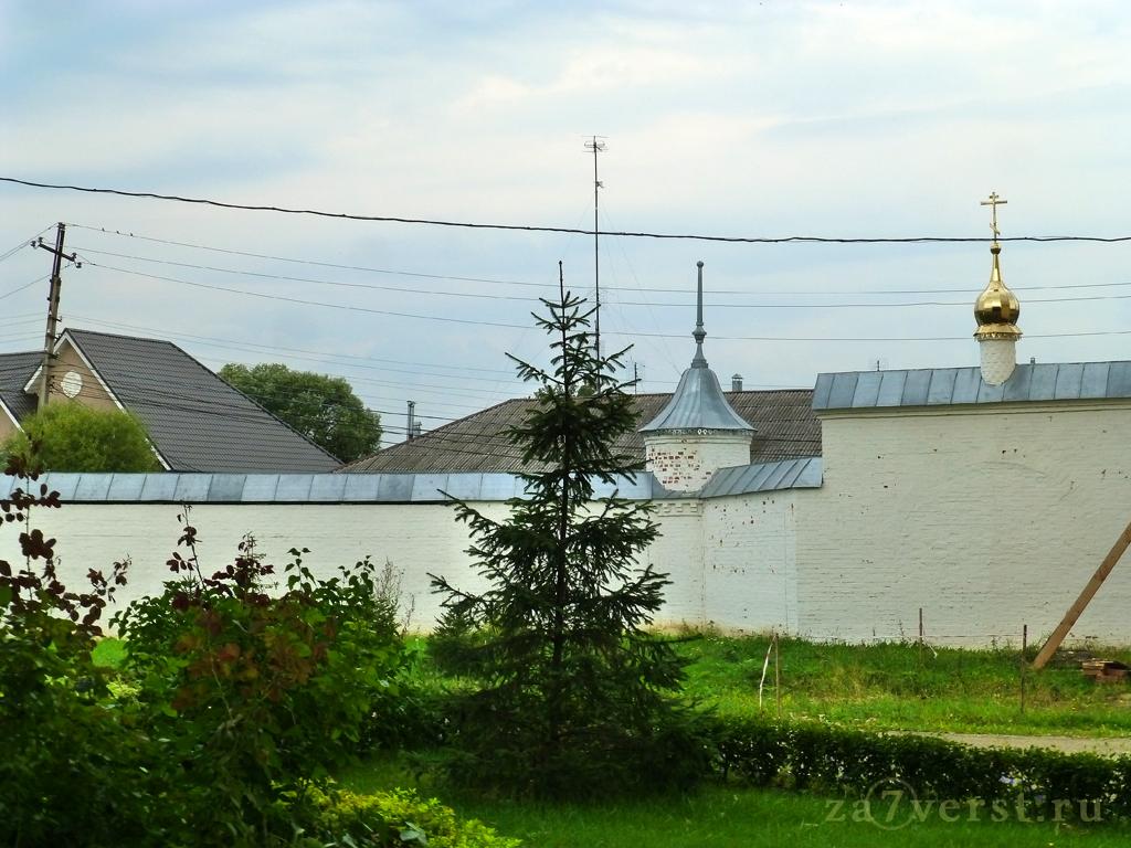 Никитский монастырь - ограда