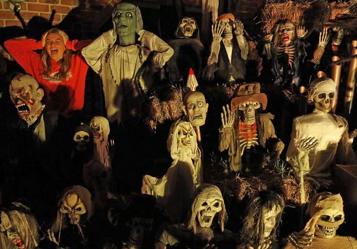 Тыквы и страшные костюмы: мир празднует Хэллоуин 2014 года 0 106abb e2295fa5 orig