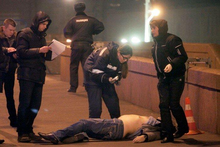 Фото и видео с места убийства Бориса Немцова в Москве
