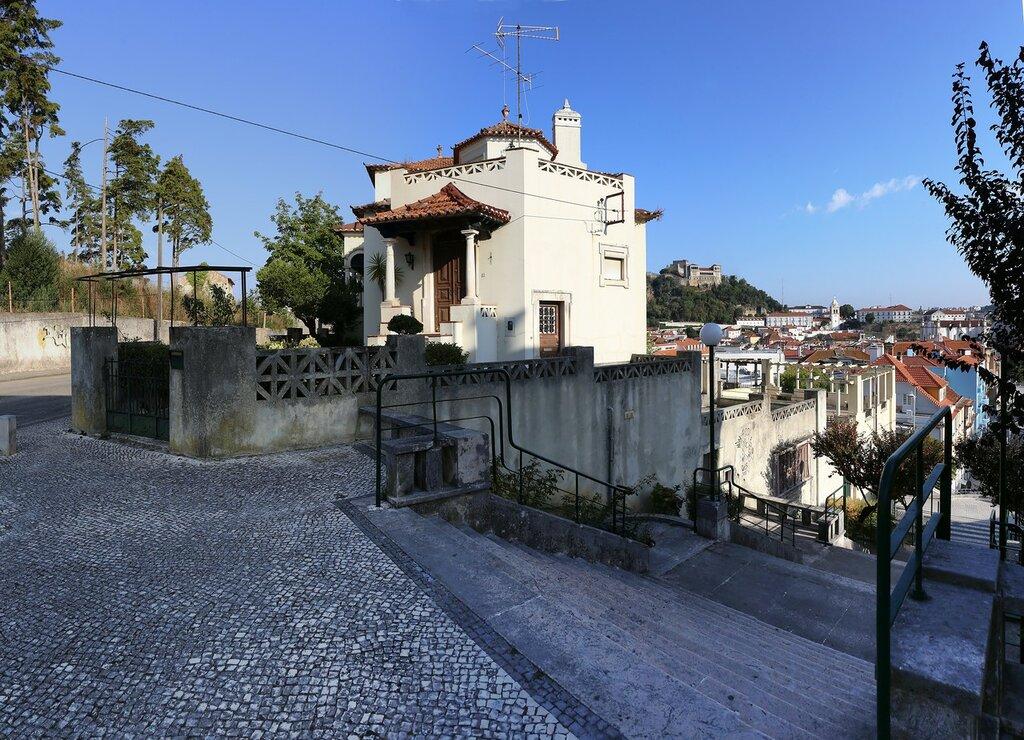 Leiria. House Of Fernando Barros Santa Rita