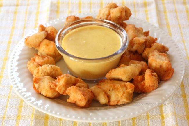 Смешайте полстакана горчицы, четверть стакана меда иполовину чайной ложки тертого имбиря. Поставьте