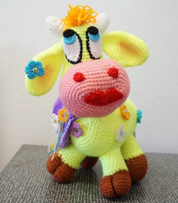 Мягкая игрушка Весенняя Корова