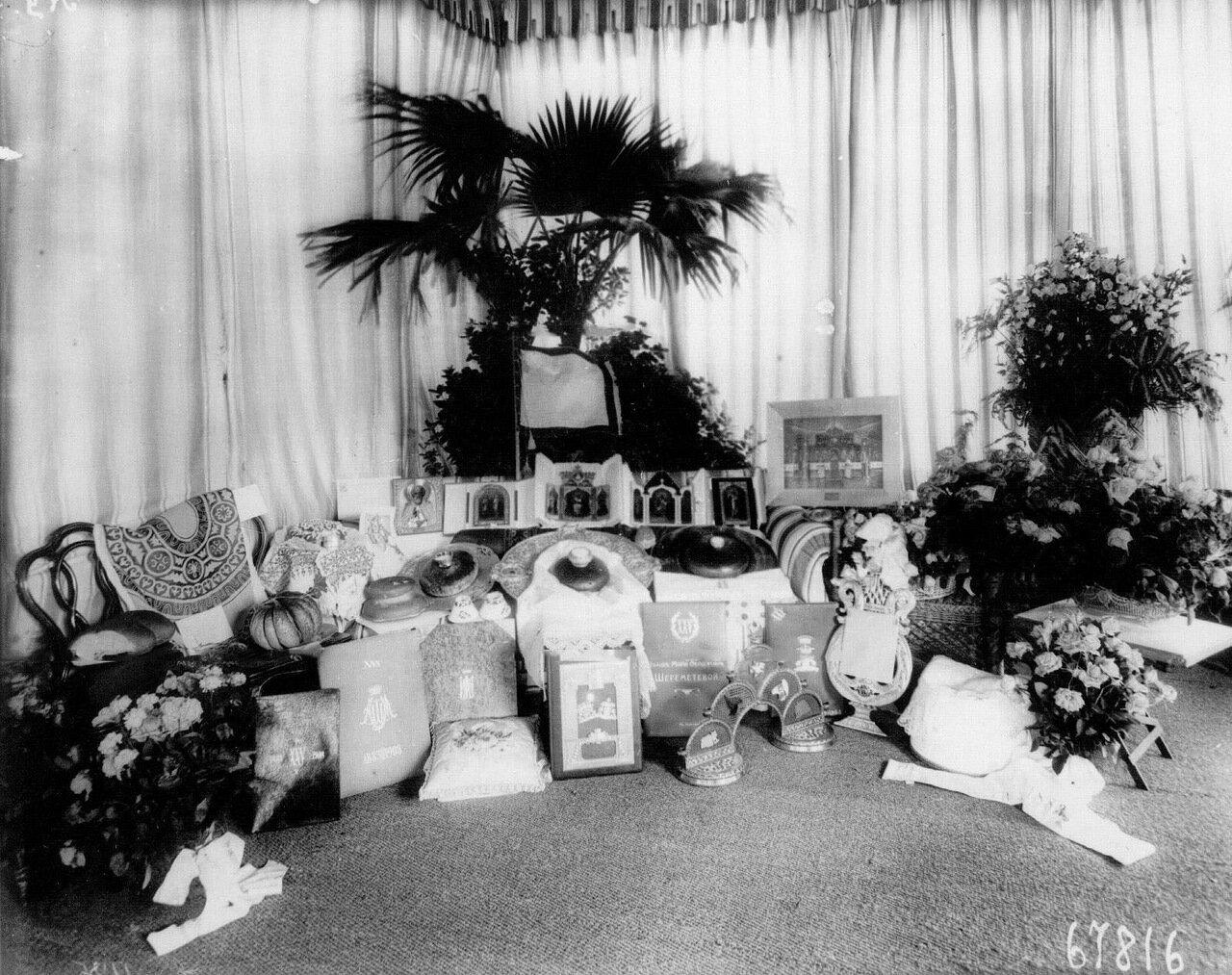 98. Подарки, преподнесенные графине М.Ф.Шереметевой в день ее серебряной свадьбы