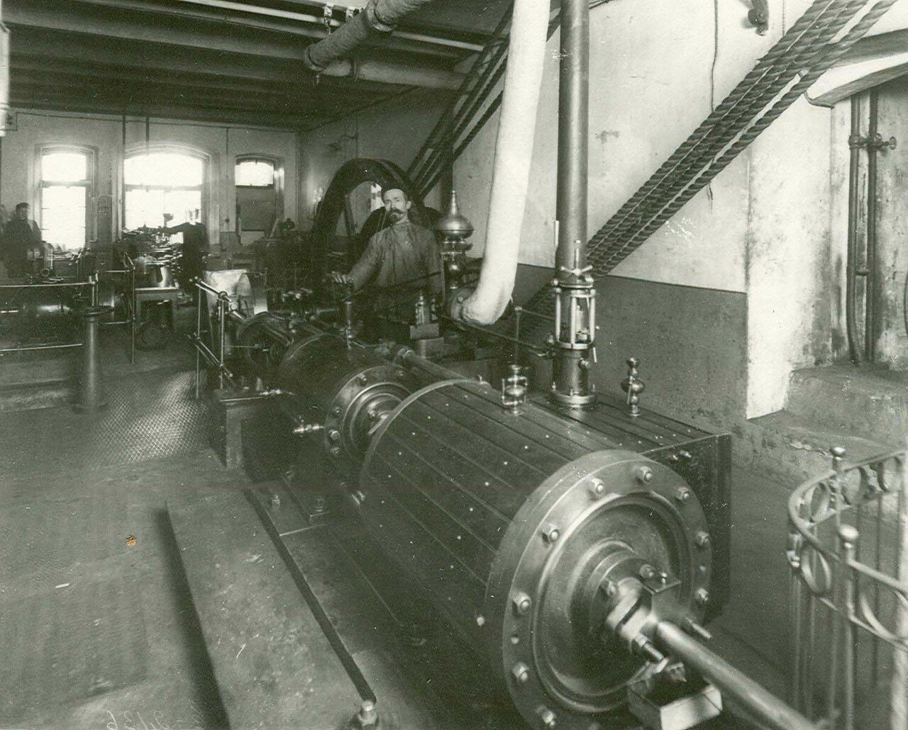 10. Один из цехов завода