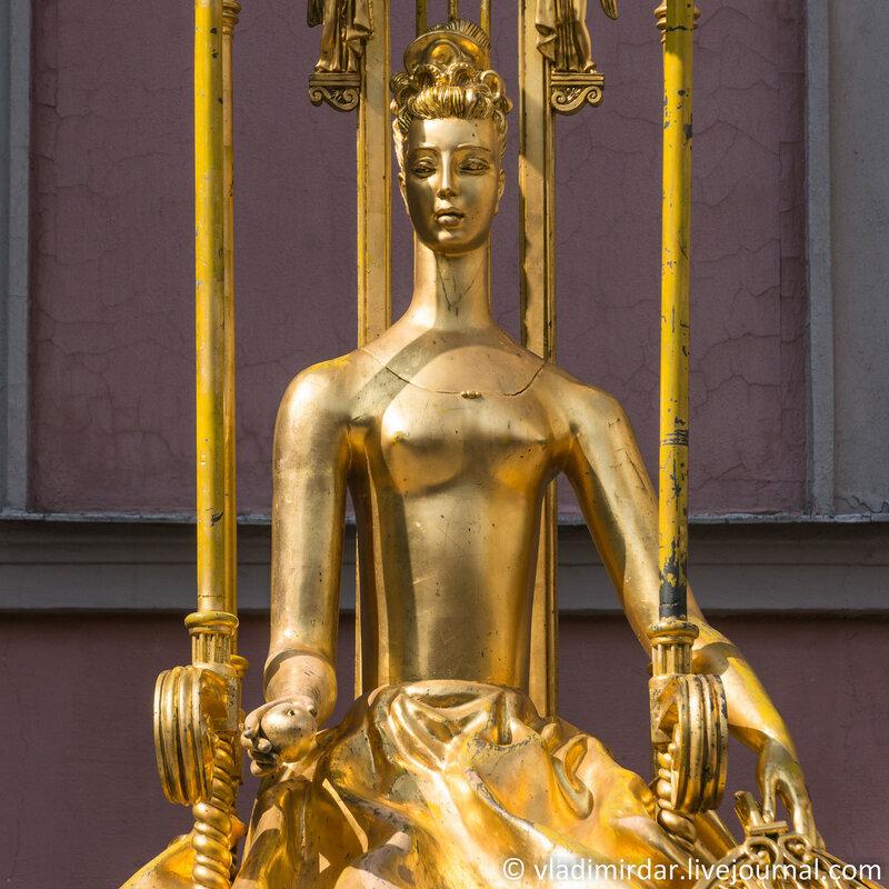 Памятник-фонтан «Принцесса Турандот». Фокусное 210 мм.