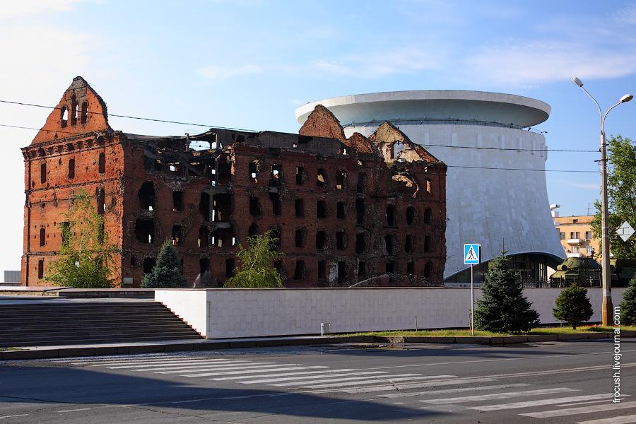 Разрушенная мельница, музей-панорама «Сталинградская битва»