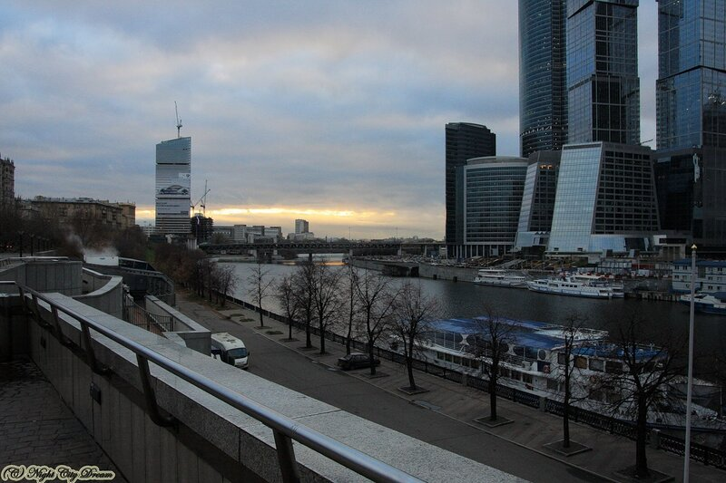 http://img-fotki.yandex.ru/get/4508/night-city-dream.7e/0_3e0bb_6492c771_XL.jpg