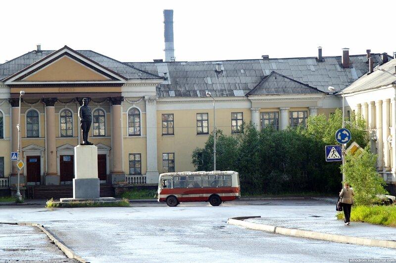Горбольница на площади Кирова