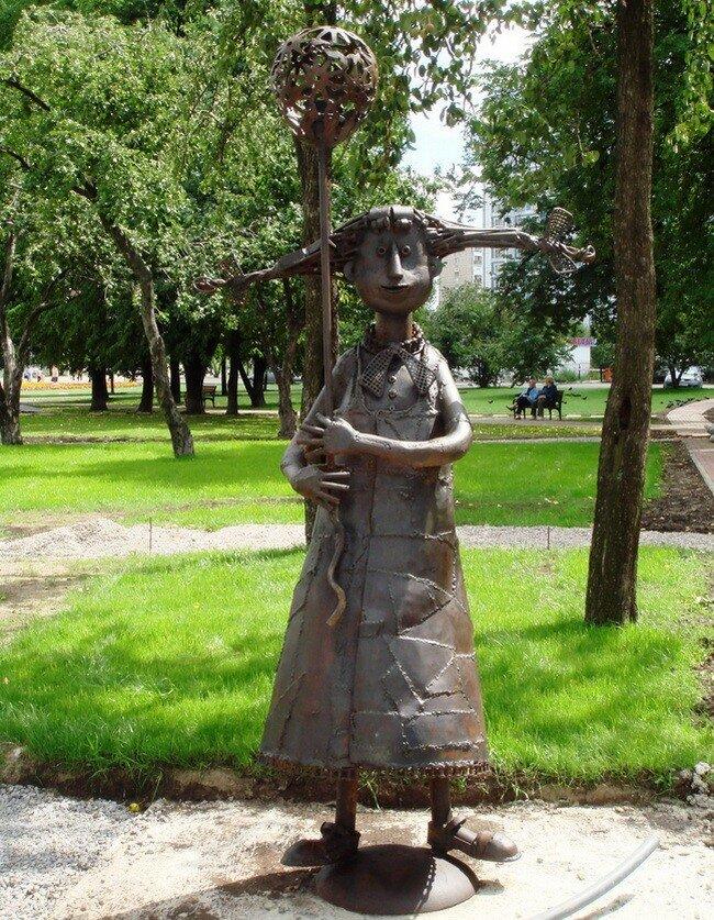 А вы когда нибудь гуляли в парке, где все скульптуры сделаны из металлолома?