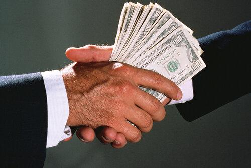 Средняя сумма взятки вКрыму— 140 тыс. руб.