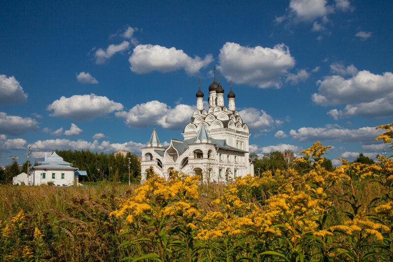 Церковь Благовещения Пресвятой Богородицы в Тайнинском .