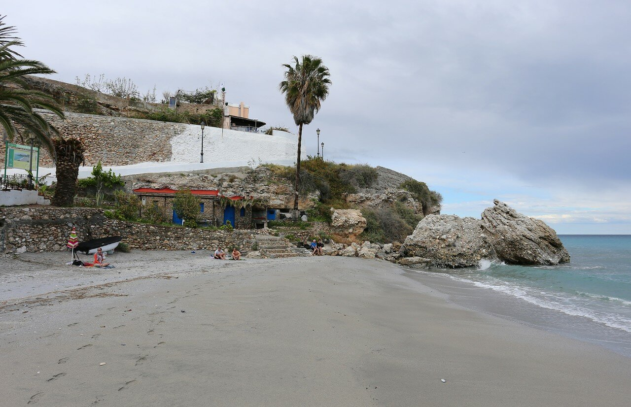 Нерха. Пляж Салон (Playa Salón)